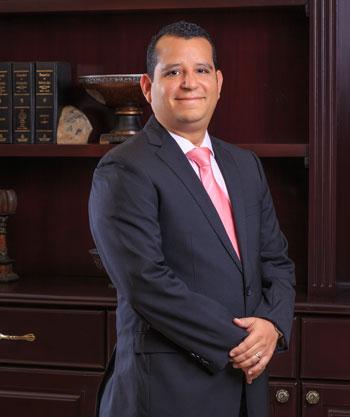 Oliver  Munoz Esquivel, Esq.