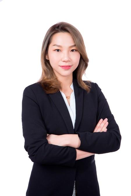 Hillary  Kong
